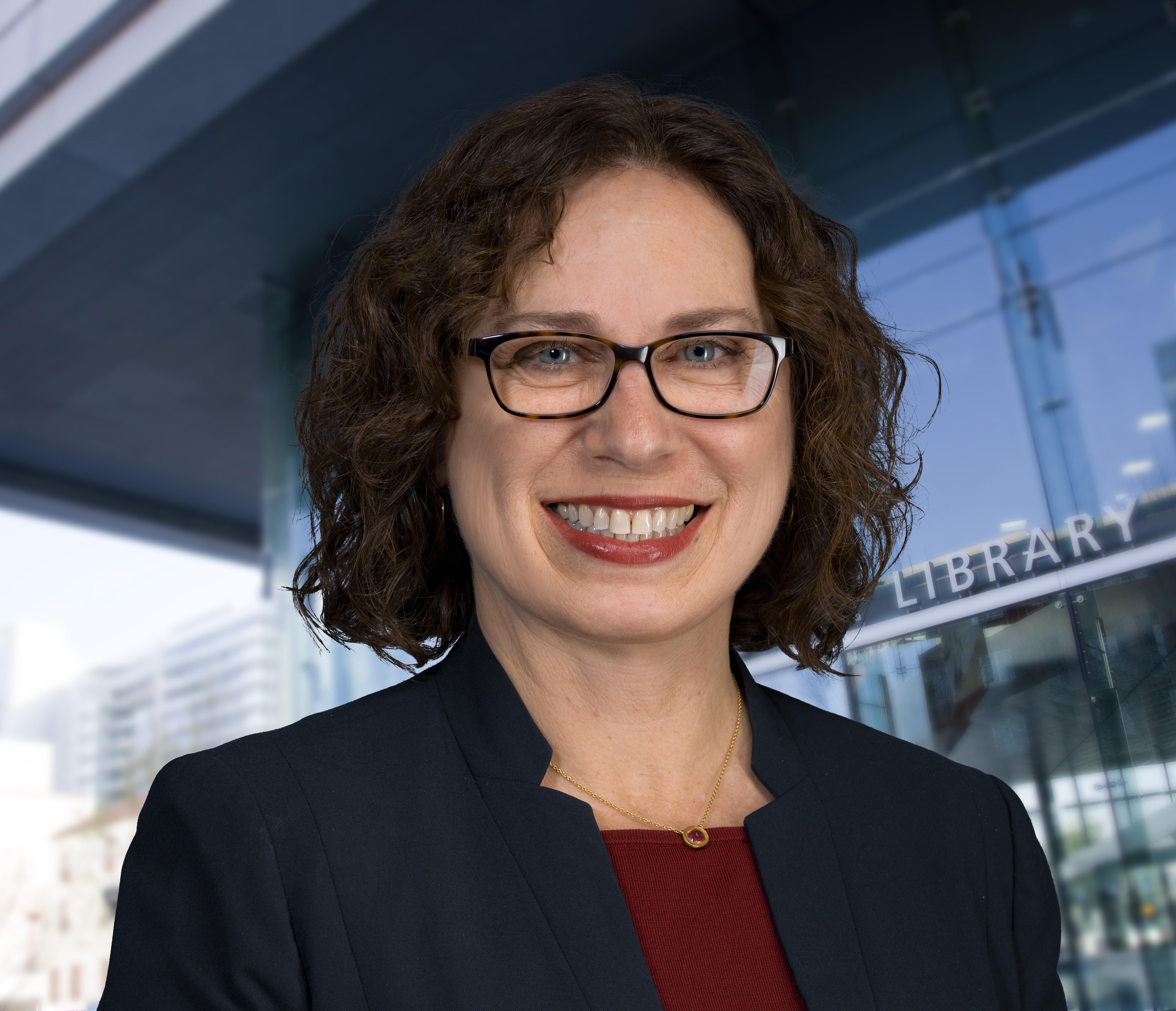 Sandra Hirsh
